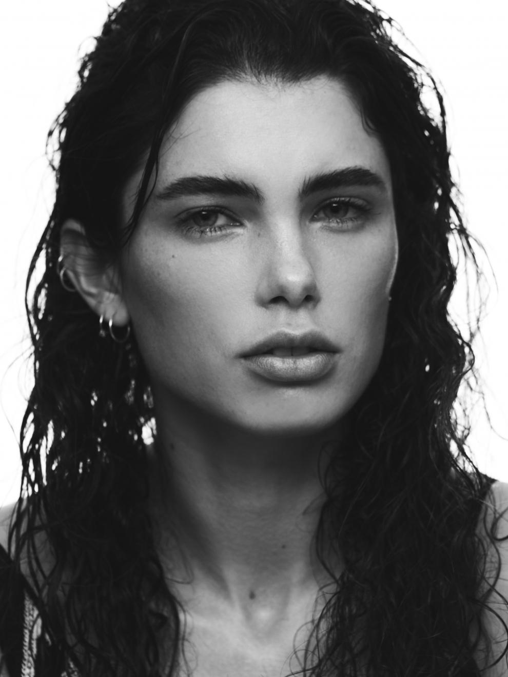 Neelia Moore Nude Photos 94