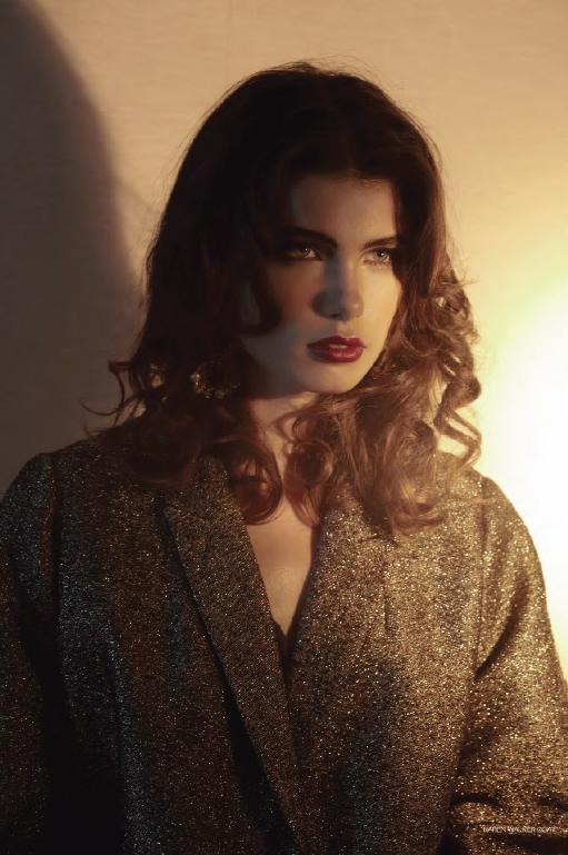 Neelia Moore Nude Photos 98